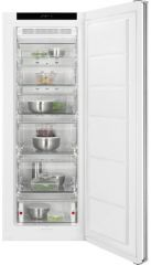AEG AGB62226NW Tall frost free freezer