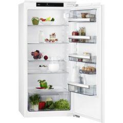 AEG SKB812F1AC In column larder fridge