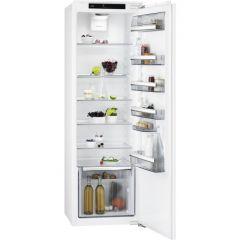 AEG SKE818E1DC In column larder fridge